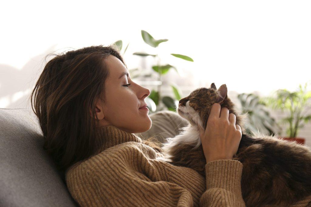 tendresse femme chat